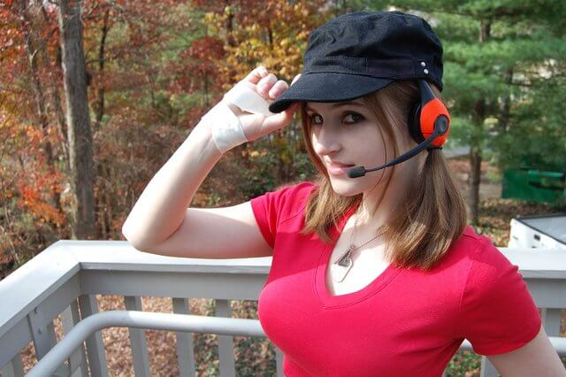 Female TF2 Scout Cosplayer is credit to any team