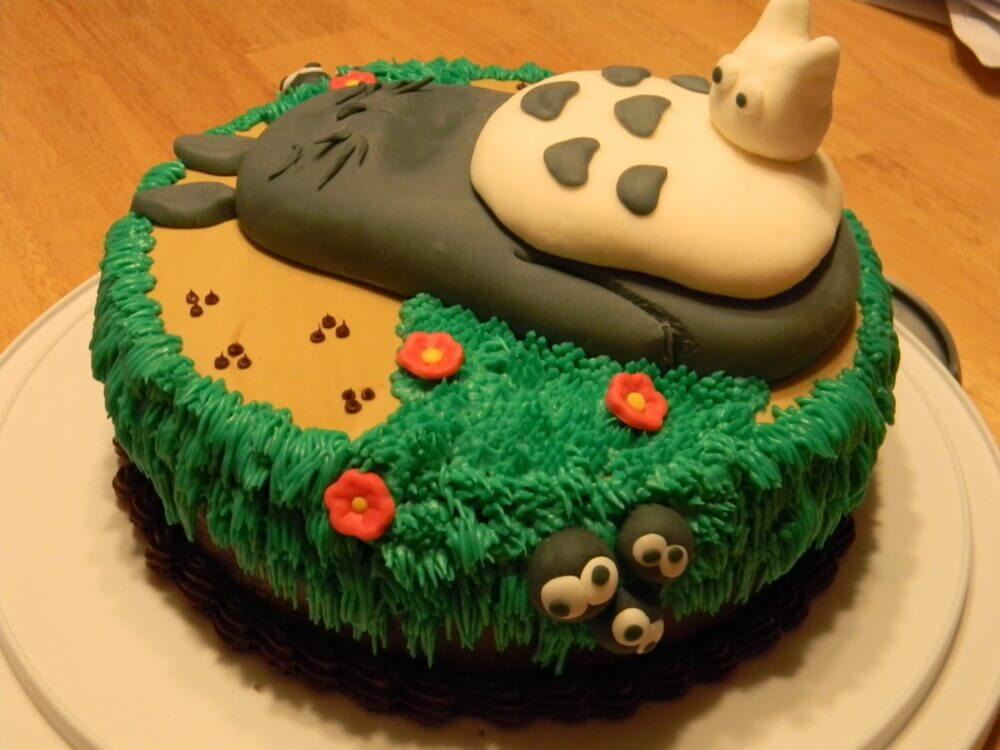 To-toro Totoro Cake!  Pixelated Geek